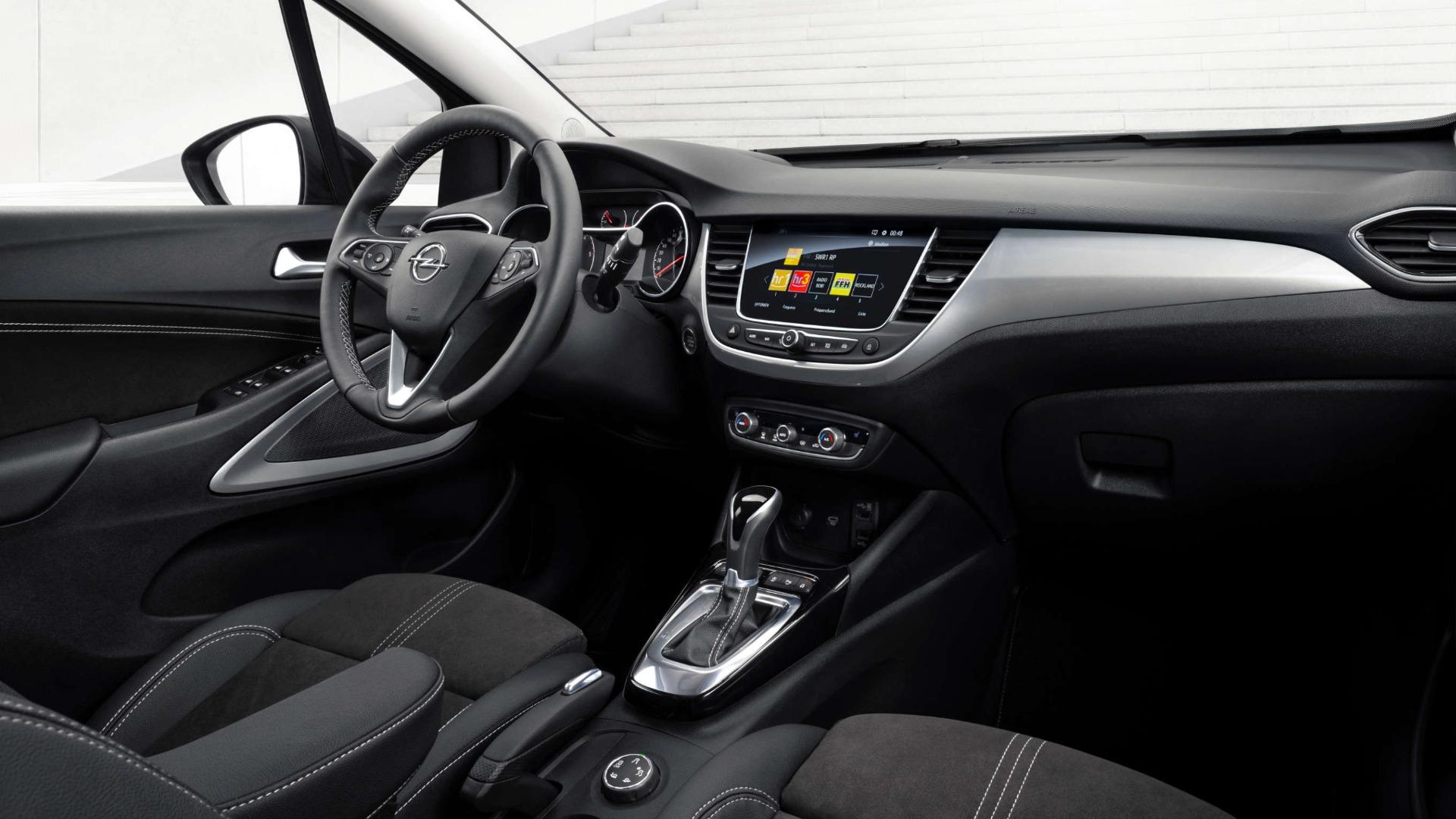 Новий Opel Crossland, інтер'єр салону