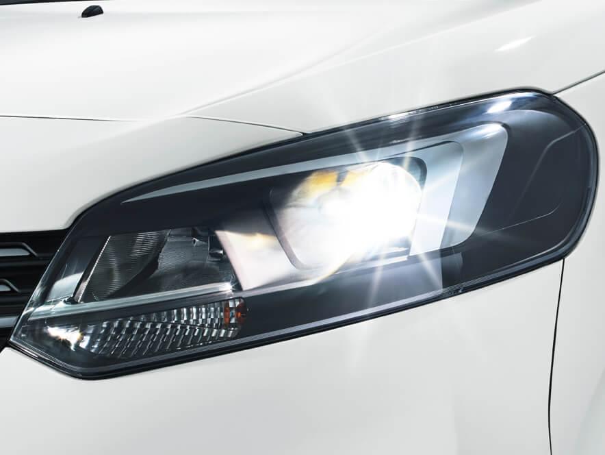 Opel, Zafira Life, ксенонові фари, світлодіодні денні ходові вогні